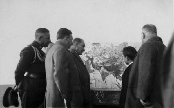 Atatürk-az-bilinen-fotoğraf26
