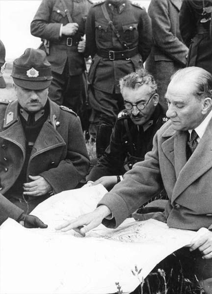 Trabzon Atatürk Köşkü Atatürk-az-bilinen-fotoğraf