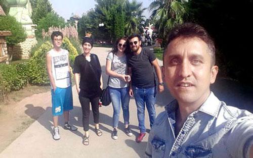 Mehmet ve Elif küçük ile Ben eşim Hanife ve Oğlum Furkan