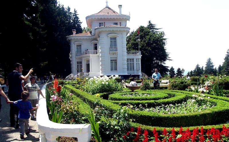 atatürk-evi-bahçe ve mimari yapısı