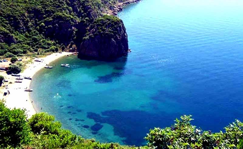 SAROS-körfezi-plajı