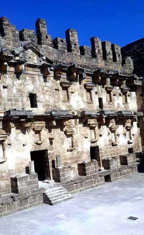 aspendos-antik-tiyatro-sahn