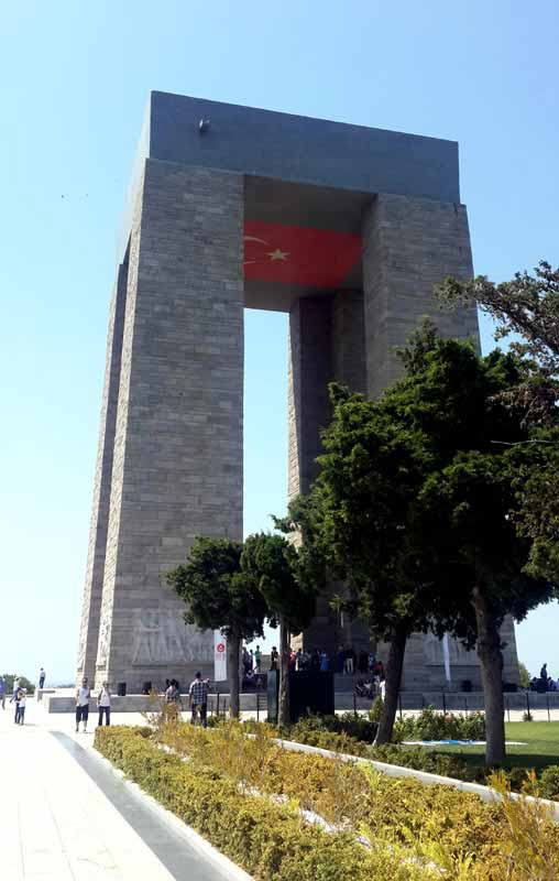 şehitlik-anıtı-çanakkale