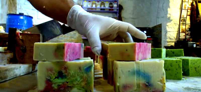 el-yapımı-sabunlar-gökçeada gezilecek yerler