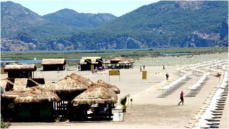 iztuzu-plajı-kafeler