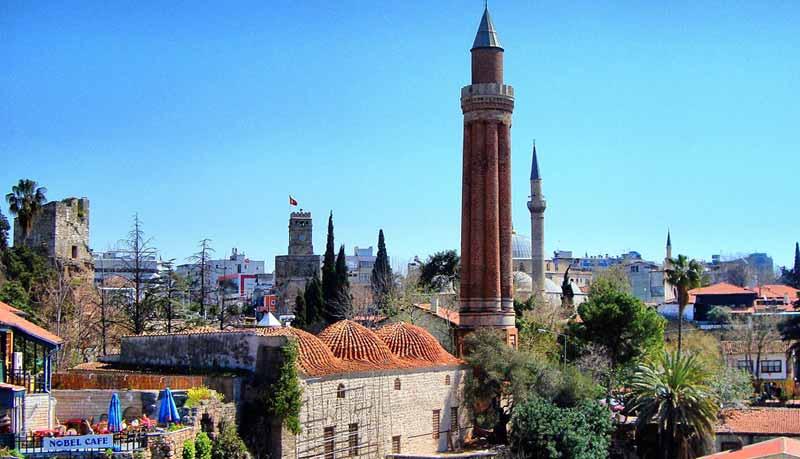 kale-içi-minare antalya