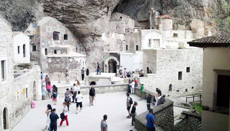 sümela-manastırı-içi