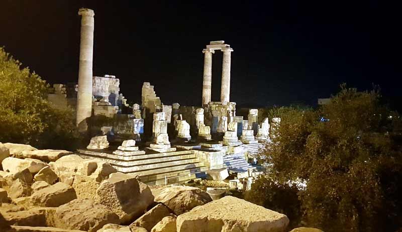 apollon-tapınağı-gece