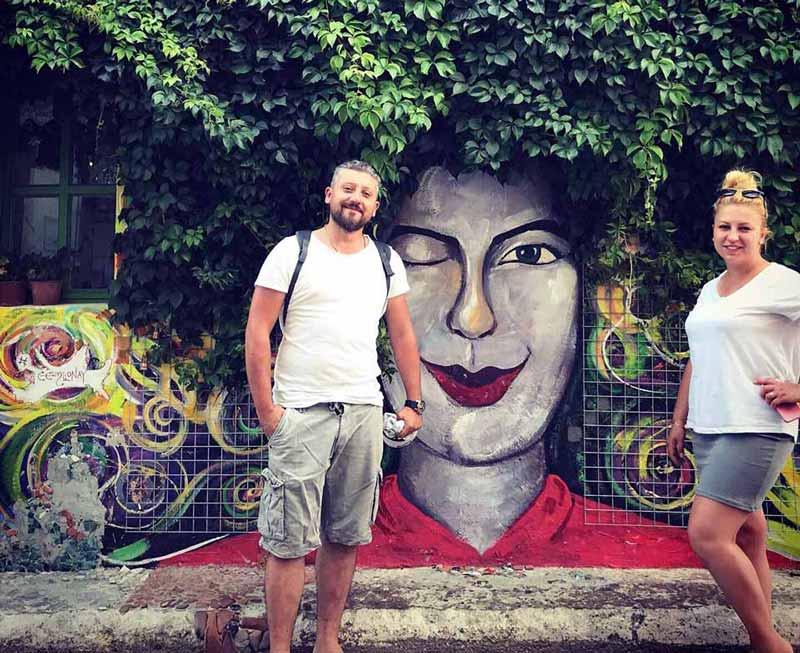 bozcaada sokakları grafiti