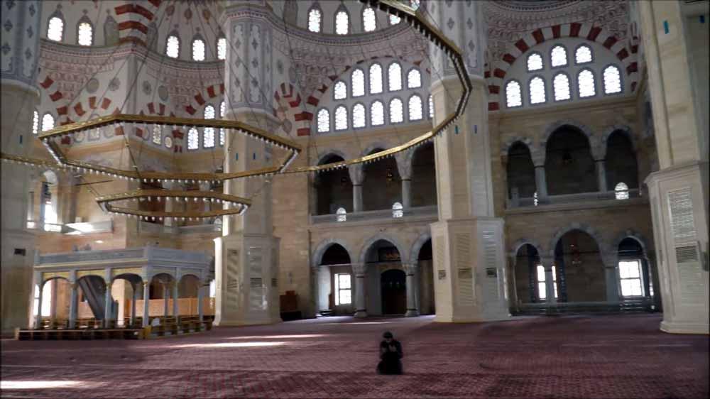 Sabancı menkez camii içi