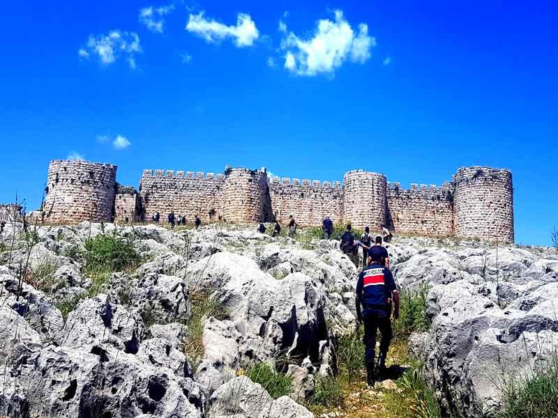 Adana Anavarza antik kenti efsanesi ve gezisi