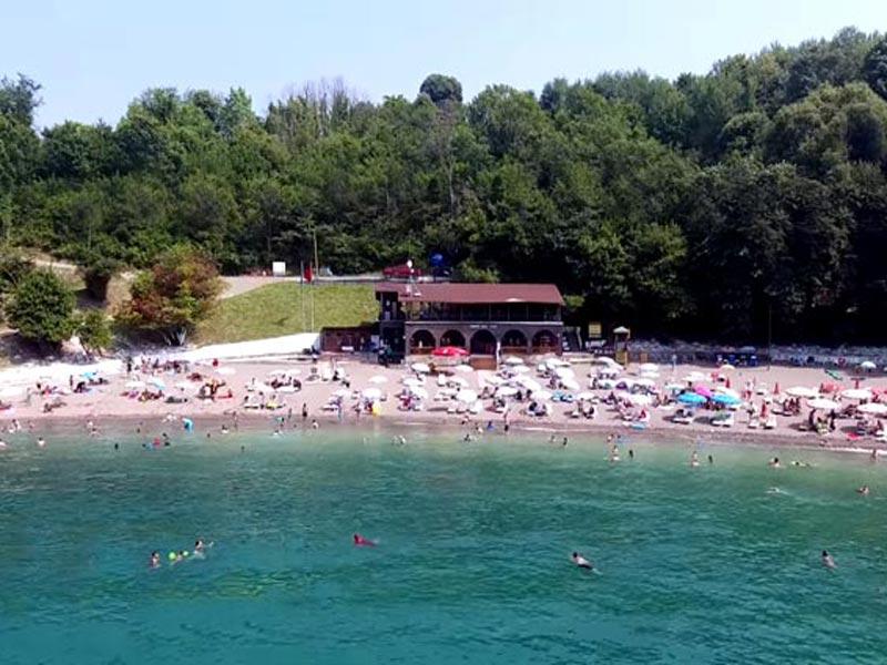Akçakoca Ceneviz plajı ve kalesi nerede