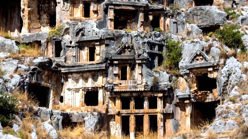 myra antik kenti kaya mezarları demre