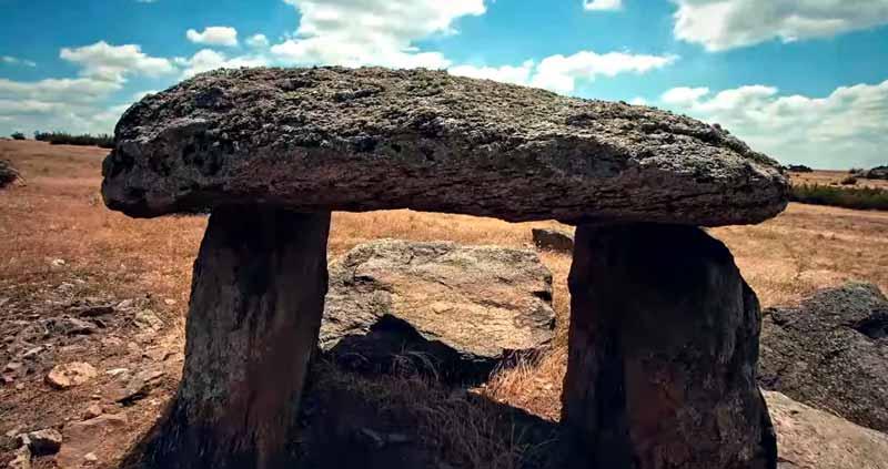 lalapaşa dolmen taşları